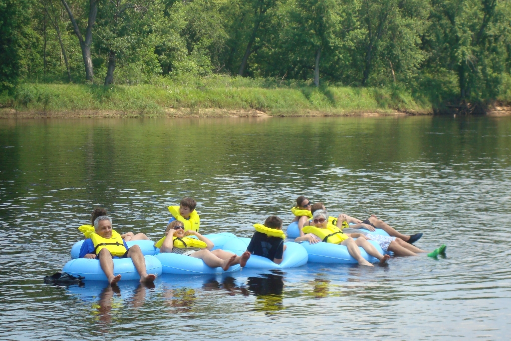 Wisconsin Dells river tube fun party