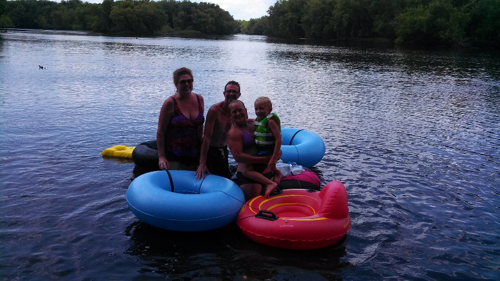 Wisconsin River tubing family fun near Wisconsin Dells